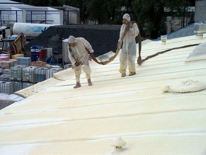 Izolacja nartryskowa dachu
